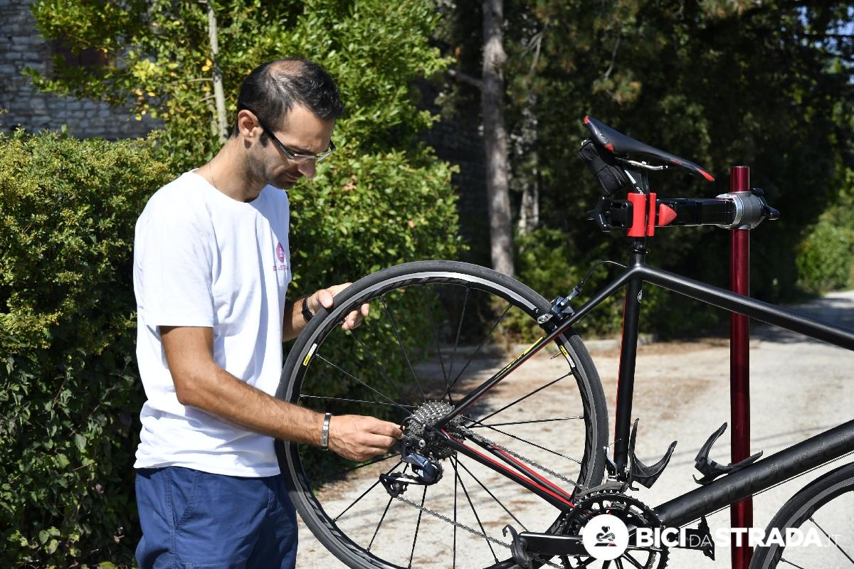 Manutenzione regolare il cambio della bici da corsa ecco for Cambio orario volo da parte della compagnia