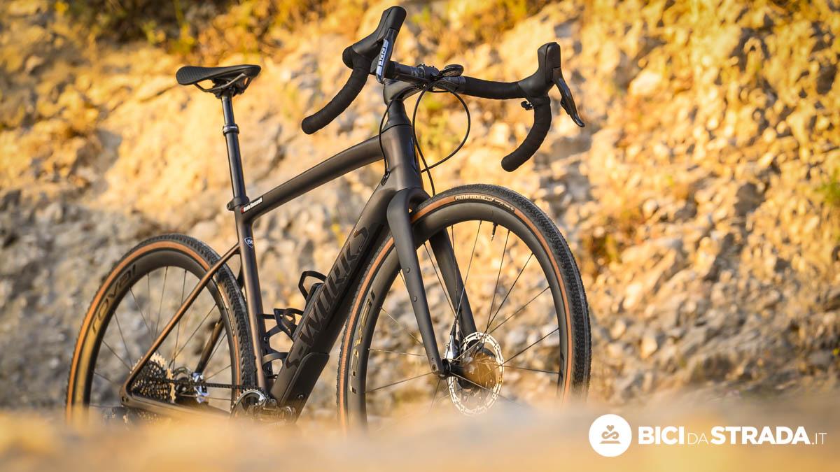 Lenta su strada e lenta fuoristrada: ma perché comprare una bici gravel?