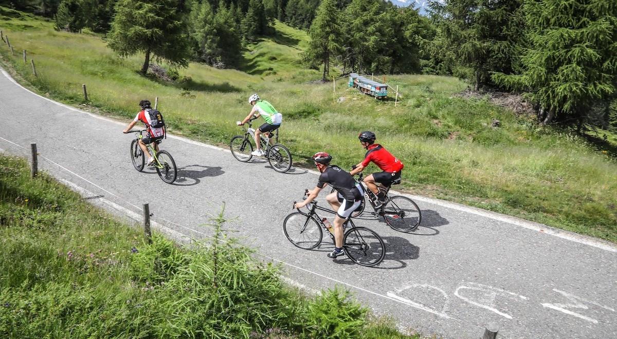 Enjoy Stelvio National Park: i passi più celebri liberi dal traffico, ecco le date