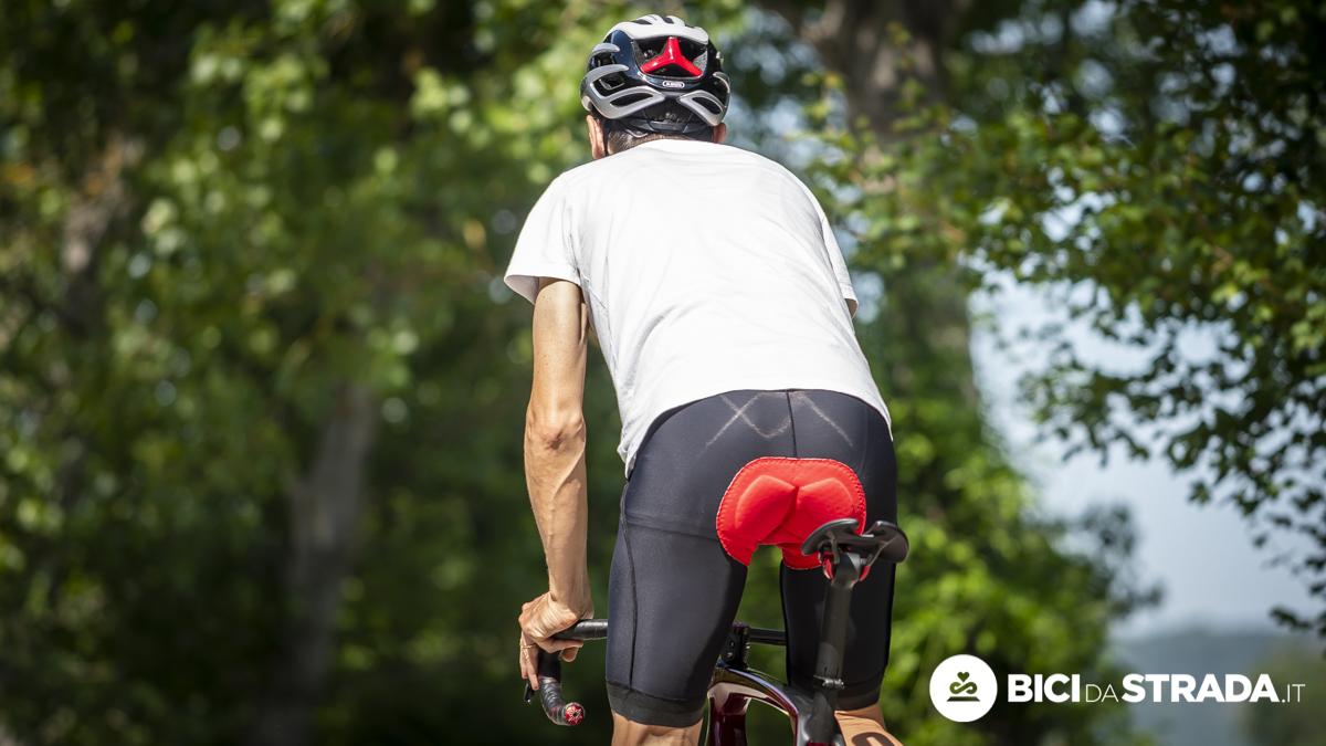 Abbigliamento per iniziare con la bici: cosa serve e gli errori da evitare